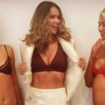 Having a Bad Day? Elle Macpherson's Bra Flash Will Make It Better